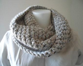 Infinity Scarf Pattern Plain or Striped for Super Bulky Yarn in Single Crochet