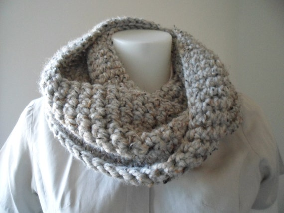 Infinity Scarf Pattern Plain or Striped for Super Bulky Yarn
