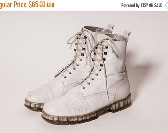 30% OFF Charles JOURDAN White Lacer Boots Women's Size 9 M