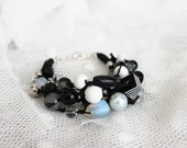 Nature linen bracelet with wood, glass and beads. Layered black string. Black & white. Classic colors