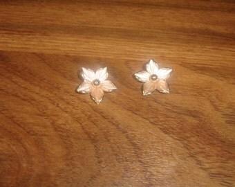 vintage clip on earrings goldtone dogwood pink tinge