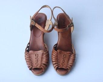 Vintage Nine West Women's Brown Leather Sandal Wedges Size 7.5
