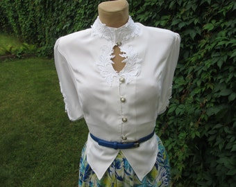 Blouse Vintage / White Blouse / Womens Blouse / Adjustable Straps / Buttoned Blouse / Size EUR44 / 46 / UK16 / 18