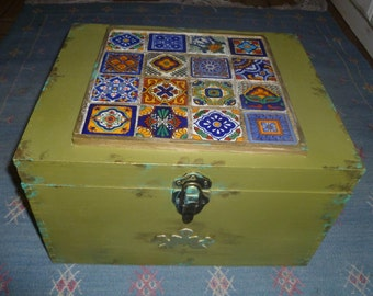 Moroccan inspired Box with tiles, excellent for jewelry