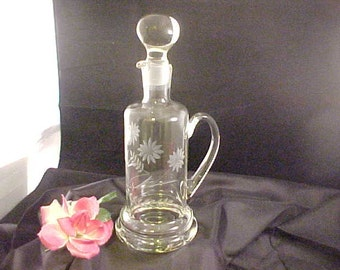 Vintage Cut Crystal Liquor Decanter With Handle and Ball Stopper, Floral Cutting on Blown Glass Barware With Pouring Spout, Handled Decanter