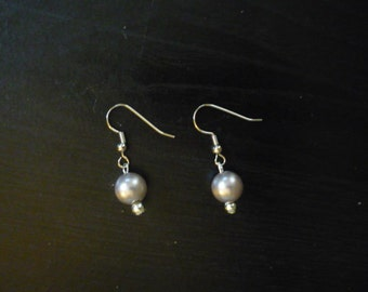 Mauve pearly earrings