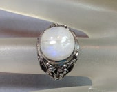 Vintage Rainbow Moonstone Sterling Silver Ring U.S. Ring Size 5.25