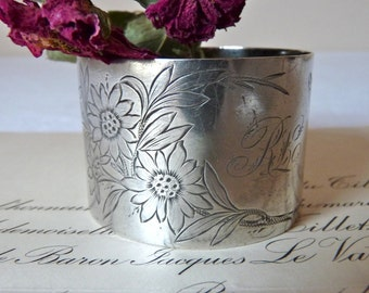 French Antique  silver plated Napkin Ring 1880  Lovely french silver plated Napkin Ring Wedding Gift