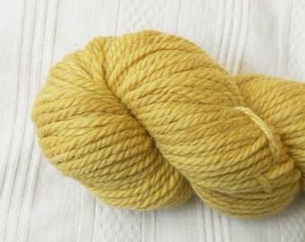 Straw bulky wool yarn