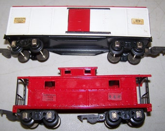 """Two Vintage 1950's American Flyer """"S"""" Gauge Cars - 478 Boxcar & 484 Caboose"""