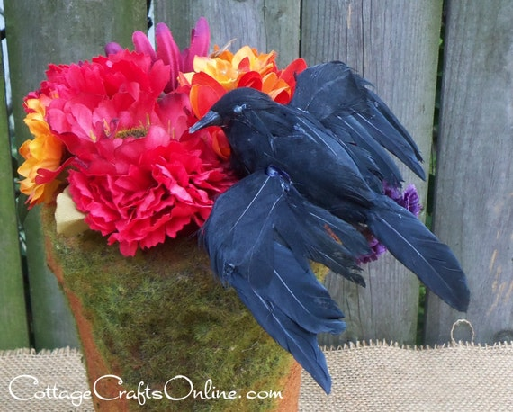 Black crow small flying feathered long - Faux oiseaux decoration ...