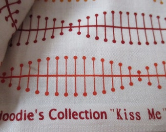 yardage Hoodie's Collection Kiss Me for Timeless Treasures