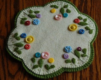 Spring Vintage Button Penny Wool Candle Mat