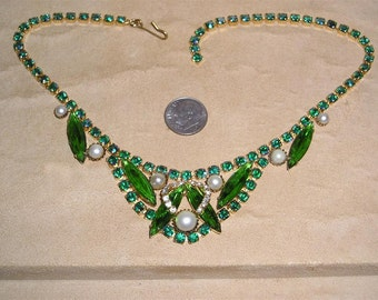 Vintage Large Green Glass Navette Necklace Choker With Iridescent Rhinestones And Faux Pearls 1960s Jewelry 8014