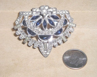 Signed Saks 34 5th Avenue Fashion Dress Clip With Clear Rhinestones 1934 Jewelry 2263