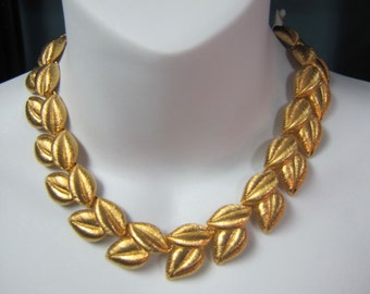 """1970's Haute Couture Valentino Gold Brushed Leaves Necklace/Choker 16-1/2"""" long"""