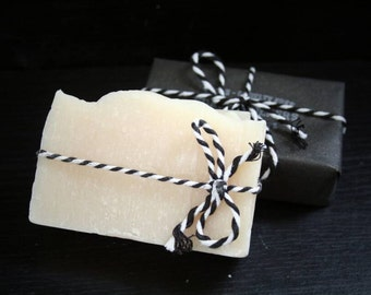 Cedarwood and Amber Soap - Vegan, Cruelty Free, Handmade and Natural - Forestwalkers