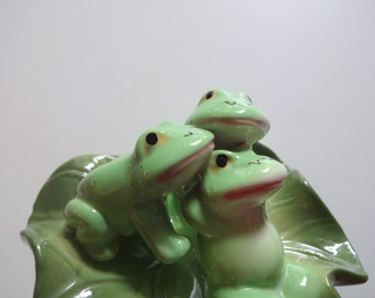Vintage Ceramic Frogs on a Lily Pad 1980s
