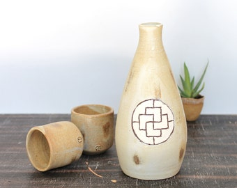 Sake Bottle Set with Two cups, Ceramic Pottery Bottle Ceramic Vase