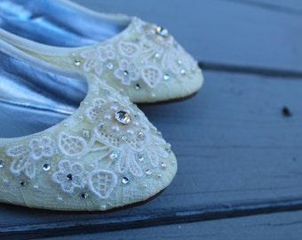 SALE - size 8.5/9 Buttercream Yellow Shimmer Lace Bridal Ballet Flats