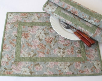 Quilted Placemats, Blue Green Floral Placemats, Table Mats, Table Quilt, Country Chic, Set of 4 placemats, Quiltsy Handmade