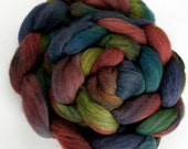 Hand-dyed Haunui New Zealand Halfbred combed wool roving (tops) - 100gr Lake Sumner over Dark Grey