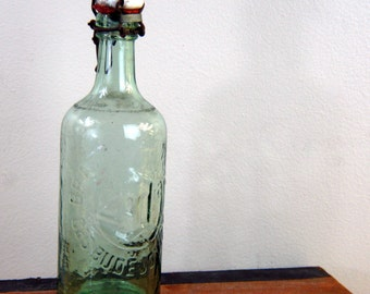 Antique Czechoslovakia stoppered heavy glass soda bottle Bratri Zotkove