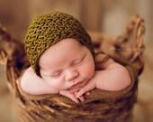 Knitting Pattern - Little Herringbone Bonnet - Newborn Photography Prop