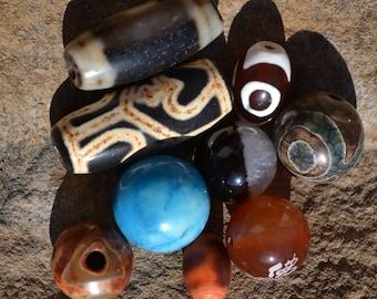 Lot of dzi beads  DZL370
