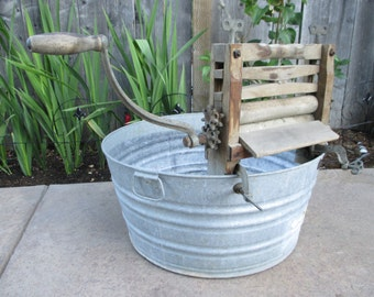 Antique Laundry Wringer - Clothes Wringer