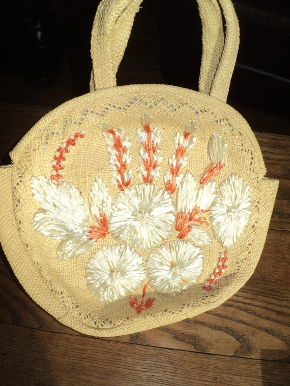 Vintage  Straw Handbag with Well Woven, Hand Embroidered Orange and White Flowers sewn with Raffia  in great condition, hardly used