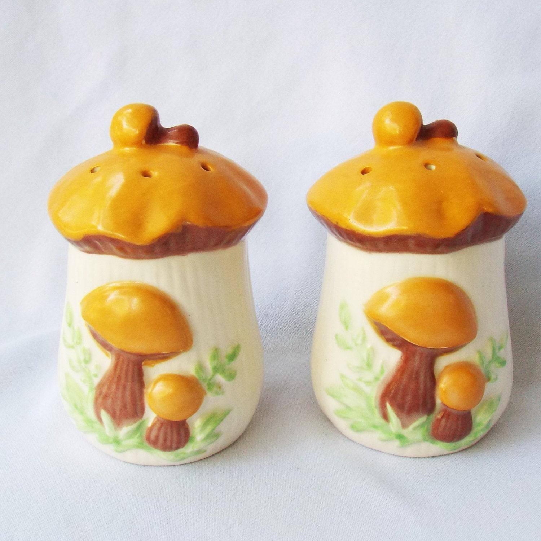 1970 39 S Mushroom Salt And Pepper Shakers Cute Decorative