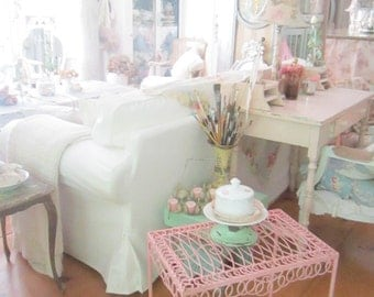 Shabby pink vintage table metal  farmhouse cottage romanticvintage shabby chic prairie