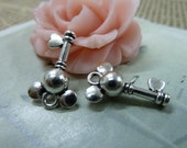 30pcs 12*17mm antique silver Mickey key charms pendant B301