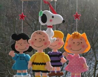 Charlie Brown Mobile, Baby Crib Mobile, Baby Mobile, Nursery Mobile, Snoopy Mobile, Felt Doll Baby Gifts, Peanuts Mobile, Baby Girl Bedding1