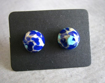 Small Glass Stud Earrings : Mottled Blue