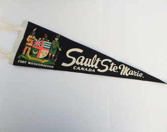 Fort Wosguhaegun Sault Ste. Marie Canada Vintage Felt Pennant Rare Souvenir of Closed Tourist Attraction