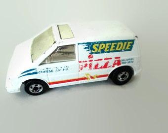 Vintage 1985 Hot Wheels Speedy Delivery Pizza Van by Mattel