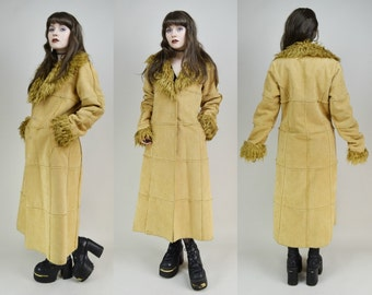 90s Does 70s Boho Hippie Beige Faux Suede Shaggy Collar Fuzzy Grungy Groupie Maxi Trench Coat S / M