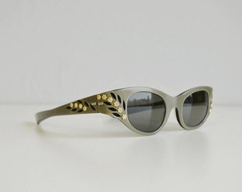 Vintage 1950s Sunglasses / 50s May Grey Pearl Etched Wrap Around Sunglasses Rhinestone Floral Flower Sunnies