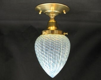 "0477 Antique Opalescent Glass Globe 3 1/4"" Fitter"