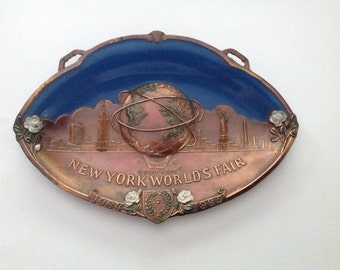 Vintage New York Worlds Fair 1964 1965 Unisphere metal tray dish Japan