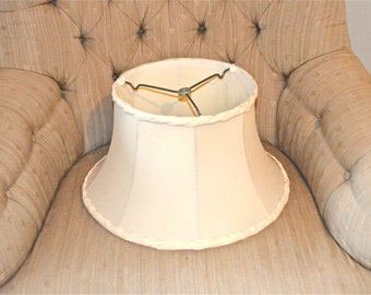 Vintage Lamp Shade with Fancy Piecrust Borders, Creamy Ivory Vintage