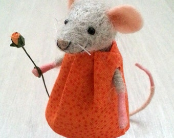 Needle felted mouse, mouse doll, felt mice mouse ornament dollhouse miniature mouse woodland waldorf woolen figurine art mouse felt mouse
