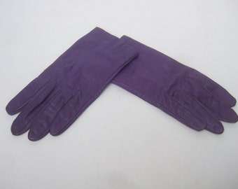 Stylish Purple Leather Goves c 1980s
