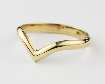 2.5 mm Solid Gold V Shaped Wedding Band Ring -  14K / 18k Yellow Gold