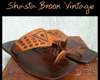 Vintage Handcrafted Leather Toe Strap Sandals - Mens Size 6.5 Womens Size 8 - Tooled Leather - Hippie Boho Bohemian Moroccan Jandals