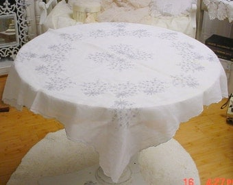 Embroidered Tablecloth Vintage Cottage Chic Prairie Farmhouse