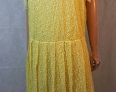 Pretty 80s Does 20s Vintage Yellow Net Lace Flapper Style Midi Dress.