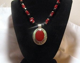 Strikingly Beautiful Red Coral And Black Onyx Necklace